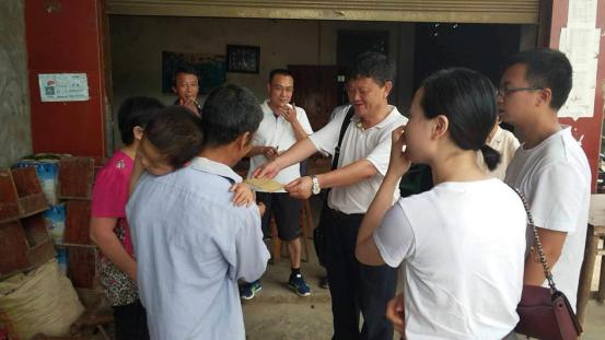 宜宾江安增减挂钩项目组开展访贫问苦捐赠活动